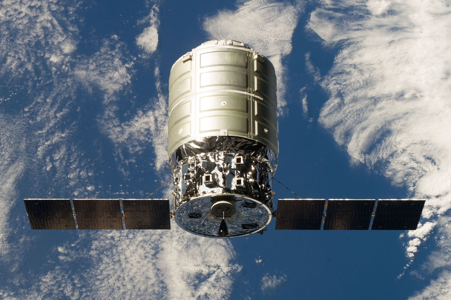 Live: запуск ракеты Antares 230+ с космическим кораблем Cygnus