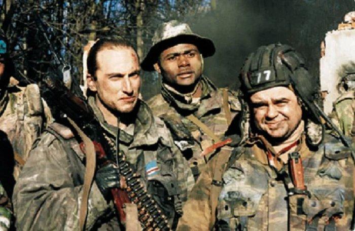 На съемках фильма актеры, которые играли разные стороны конфликта