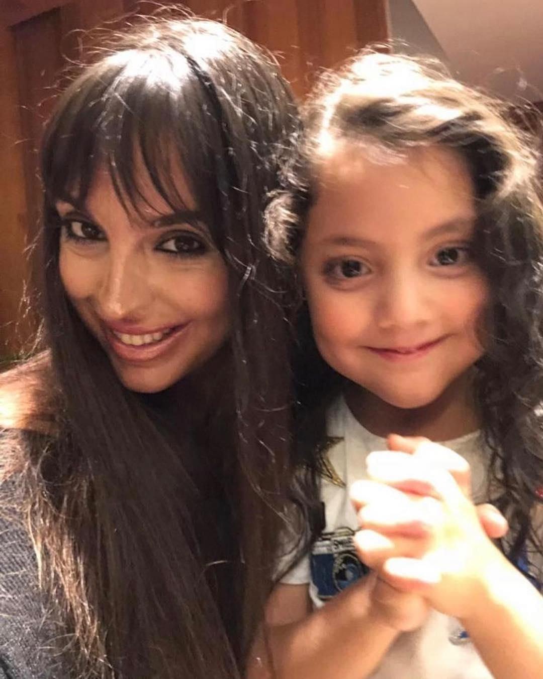 Лейла и ее приемная дочь