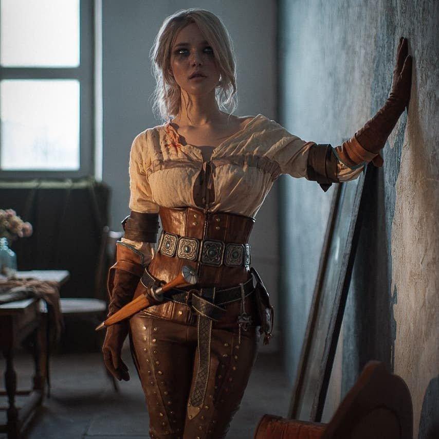 Образы Лады Люмо, которая шьет костюмы безупречного качества
