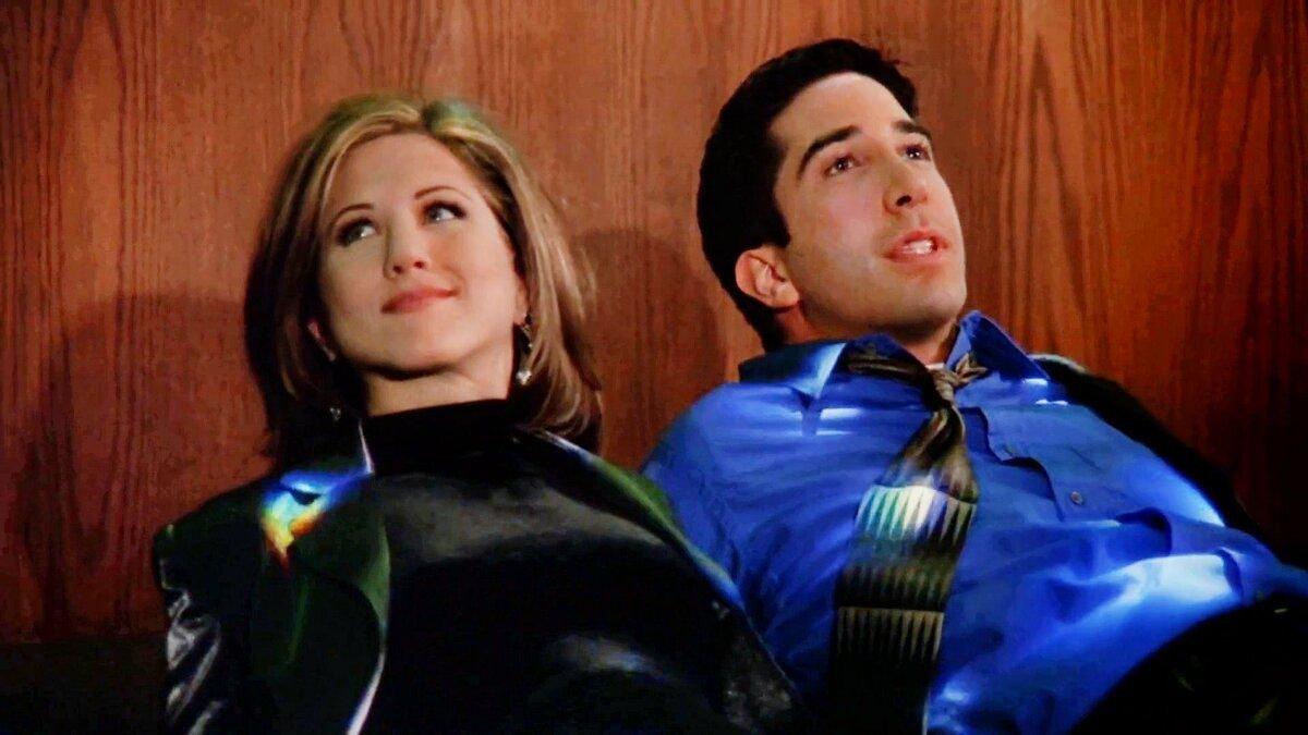 Влюбленность между актерами, травмы и подлянки. Секреты, которые рассказали нам «Друзья» спустя 17 лет
