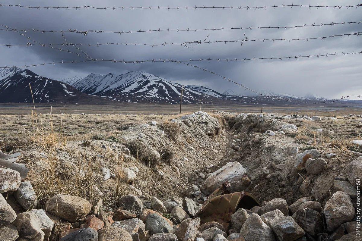 Ход сообщения. По правому хребту проходит граница с Афганистаном. еще правее озеро Зоркуль