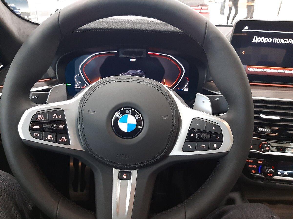 BMW5 G30 руль