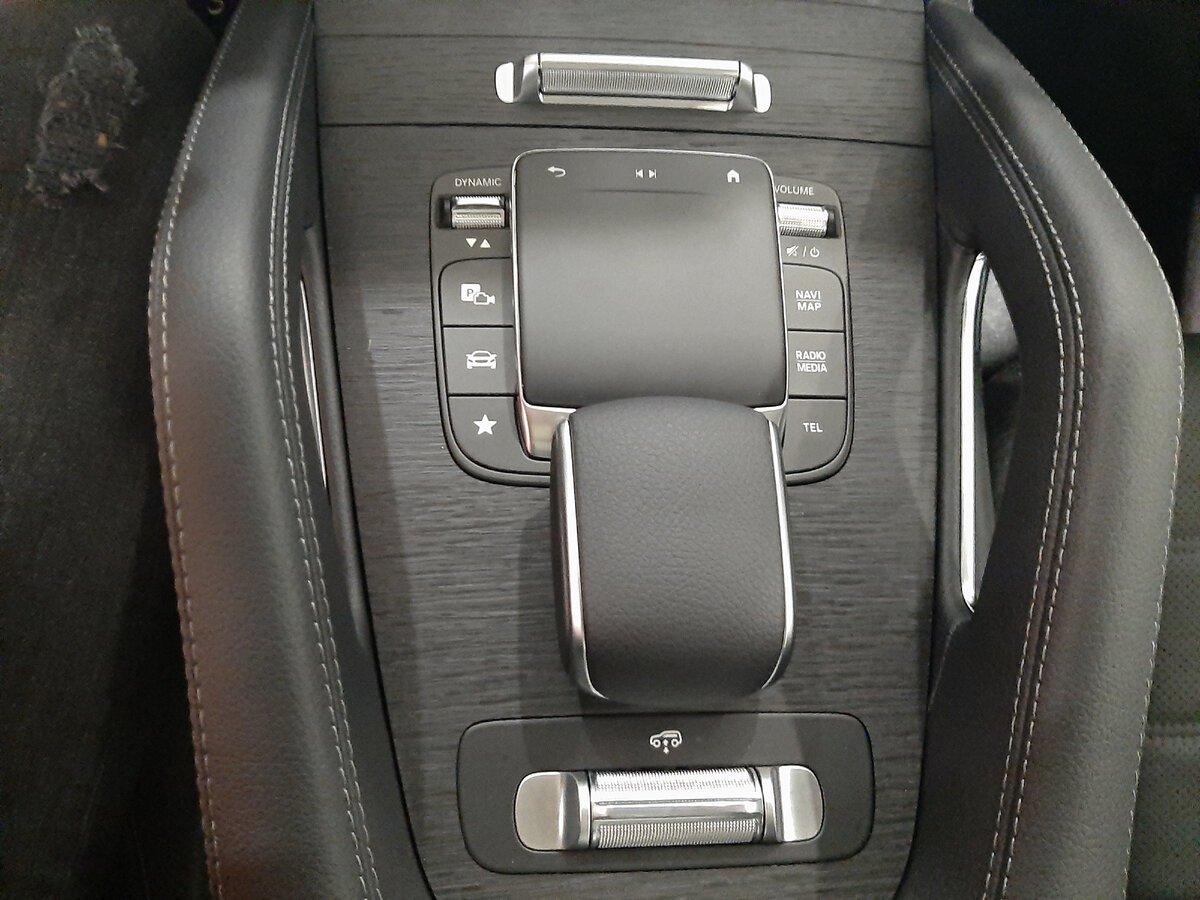 Mercedes-Benz GLE 2021 центральный тоннель
