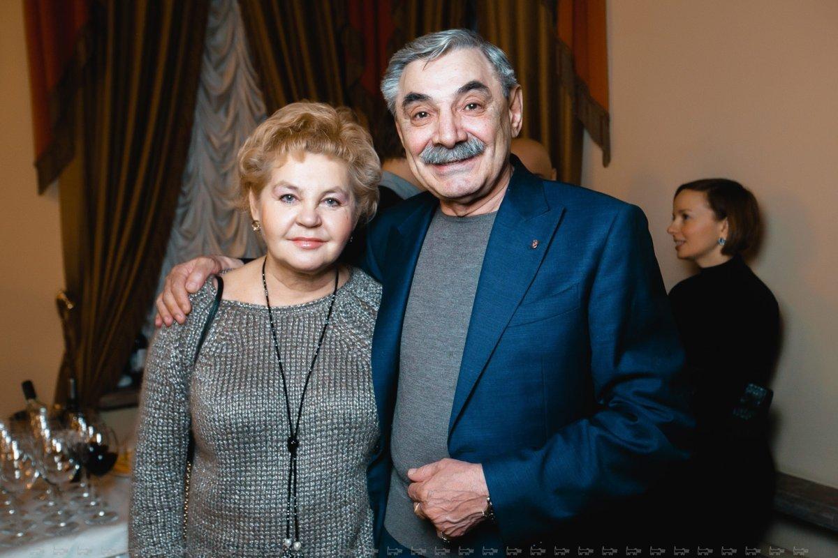 Александр с Юлией, источник: https://bez-makiyazha.ru/