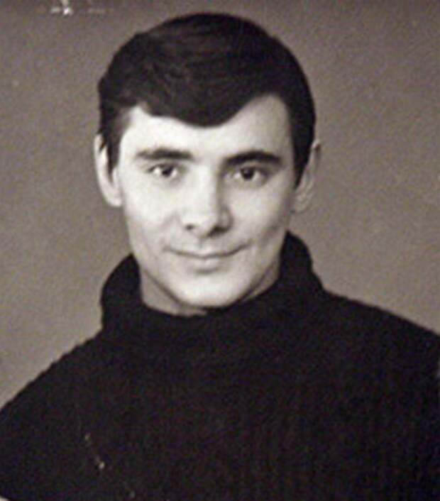 Александр в молодости, источник: https://newart.mirtesen.ru/