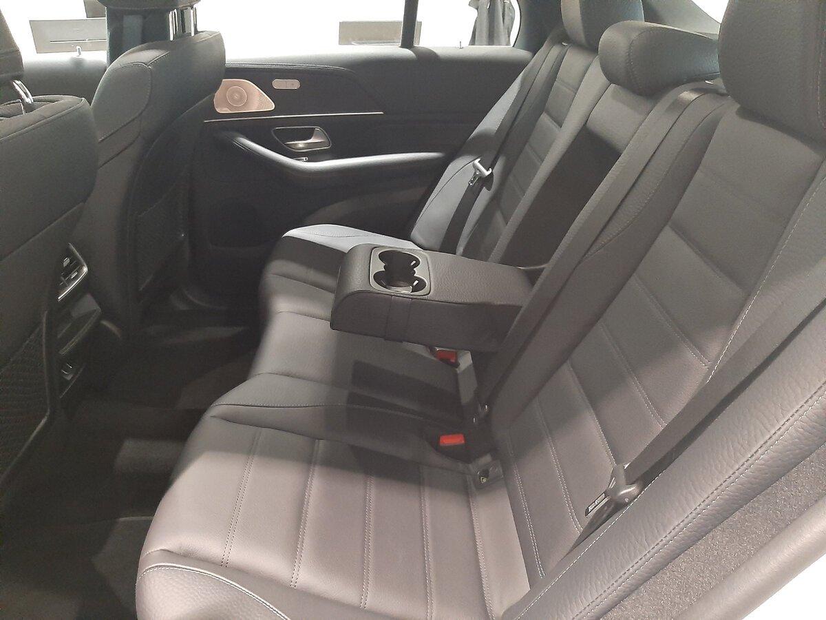 Mercedes-Benz GLE 2021 второй ряд сидений