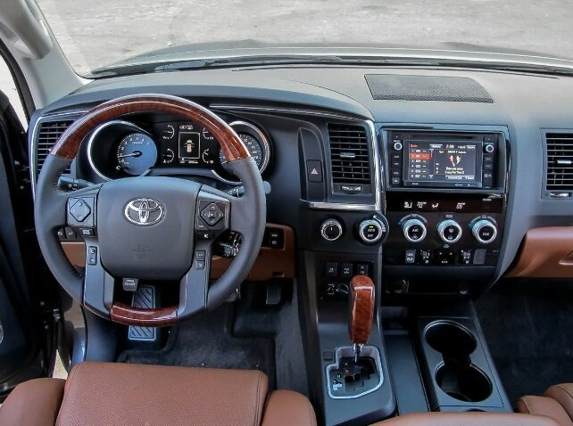 Тойота Секвойа салон 2018, фото с сайта sharperedgeengines.com