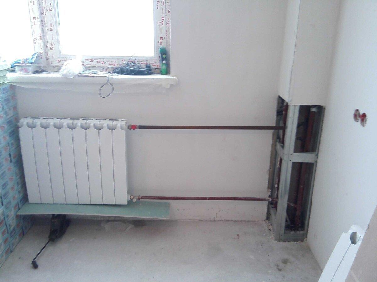 Короб, закрывающий стояки отопления