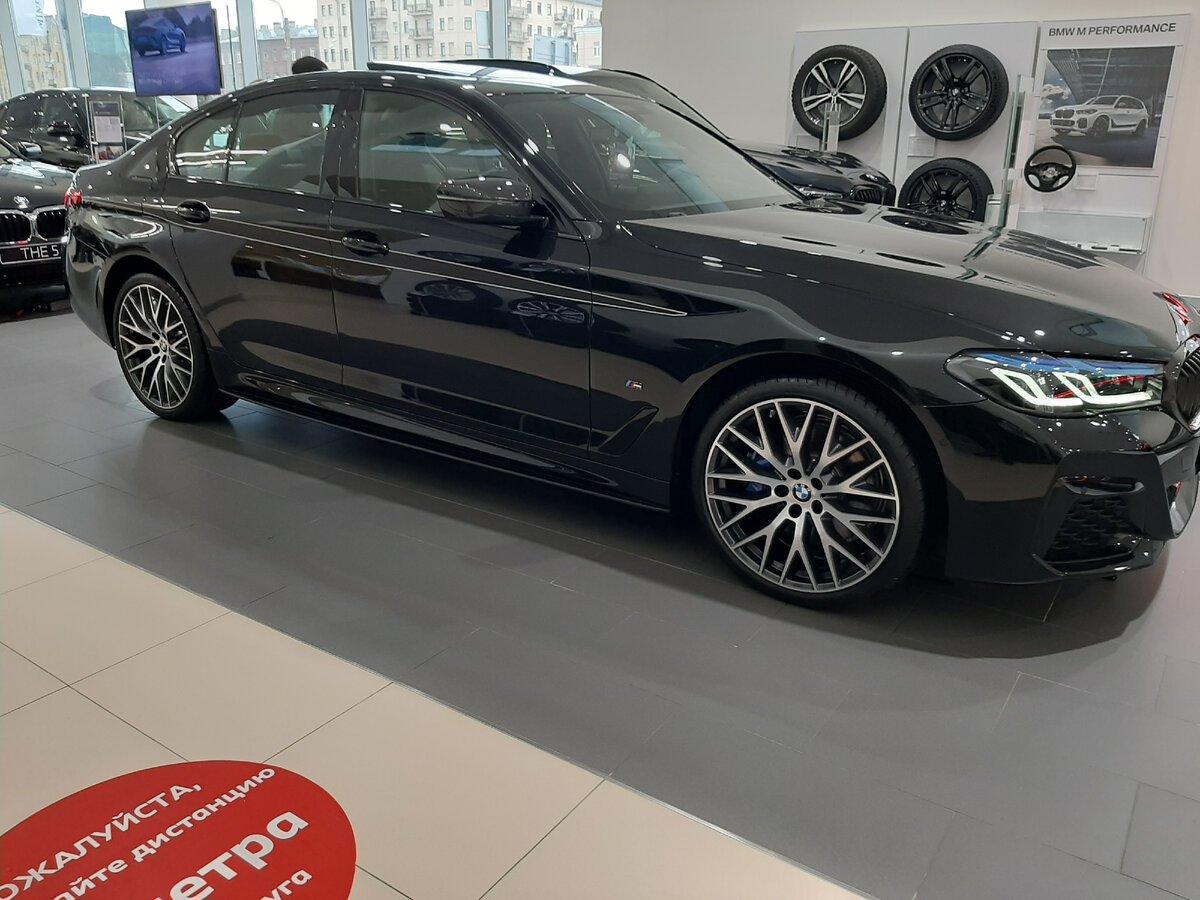BMW5 G30 - в профиль
