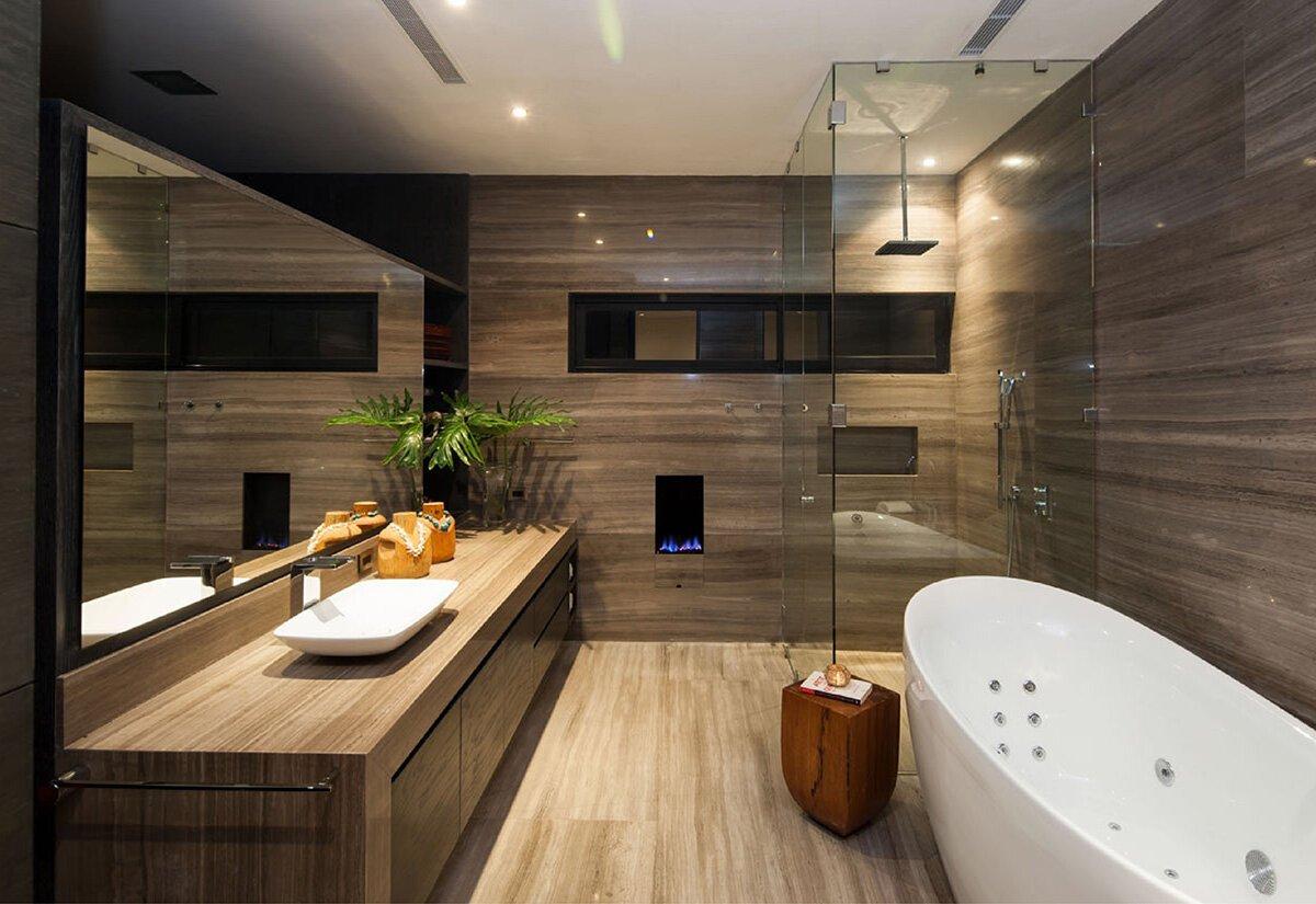 Ванная комната отделана керамической плиткой